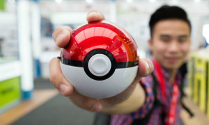 This Poké Ball phone battery is perfect for hardcore 'Pokémon Go' players